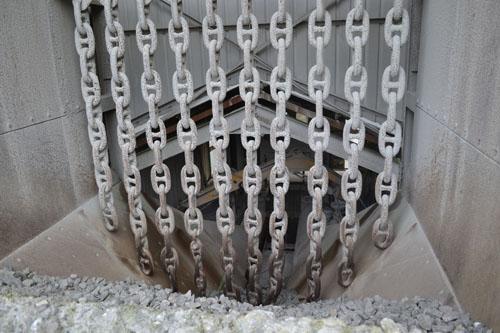 Big chains!