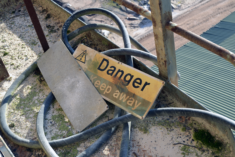Warning signs were quite common