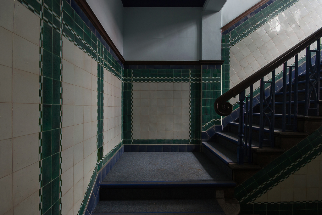 The tiled entrance hall and staircase was spectacular.