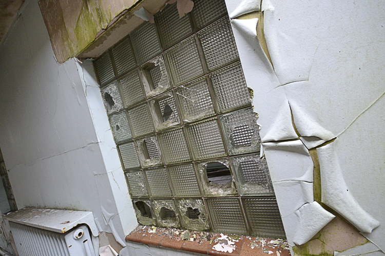 An internal window.